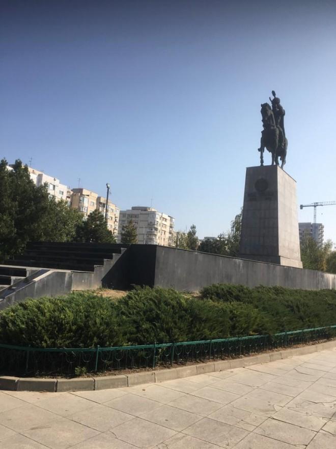 Statuia lui Mihai Viteazul, din Ploiesti, in Cartea Recordurilor