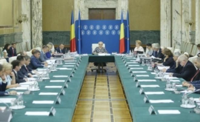 Viorica Dăncilă face marele anunț: se AMÂNĂ termenul pentru depunerea Declarației unice la ANAF