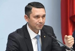 "Bogdan Toader (CJ Prahova), impresionat de elevii de la ""Mihai Viteazul"". ce mesaj le-a transmis"