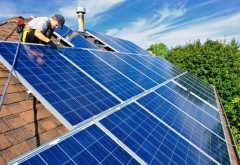 Sisteme fotovoltaice pe bani europeni, in 6 localitati din Prahova. Comunicat AE3R