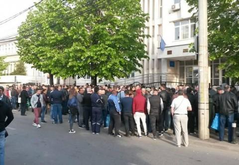 Închis la Paşapoarte şi Înmatriculări între 26 aprilie şi 1 mai. Vezi când sunt reprogramaţi prahovenii care aveau rezervări!