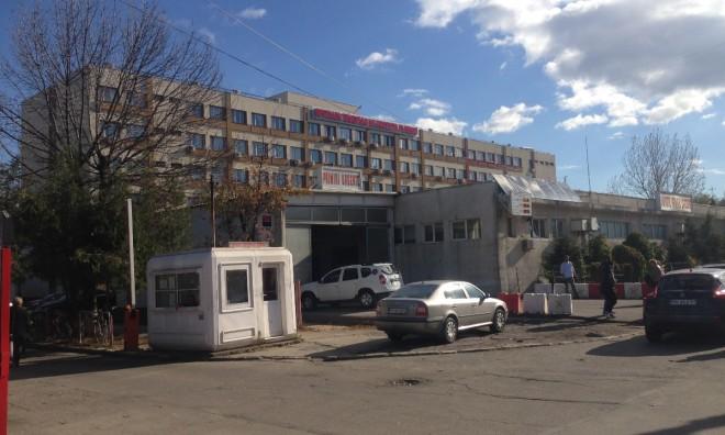 Un medic de la Judetean a fost saltat de mascati, in urma unui flagrant