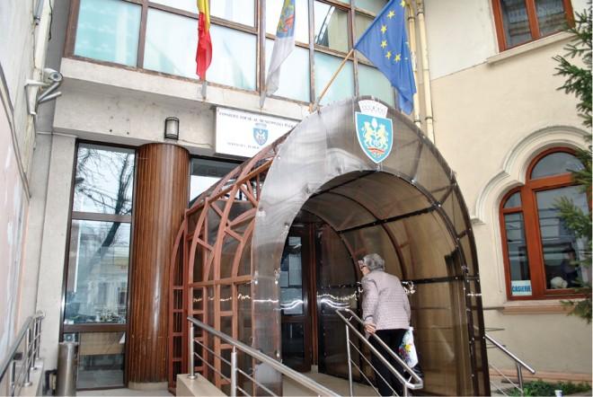 Consiliul Local Ploiesti a votat: Contribuabilii care nu si-au platit impozitele pe caldire sau masina vor fi SCUTITI de penalitati