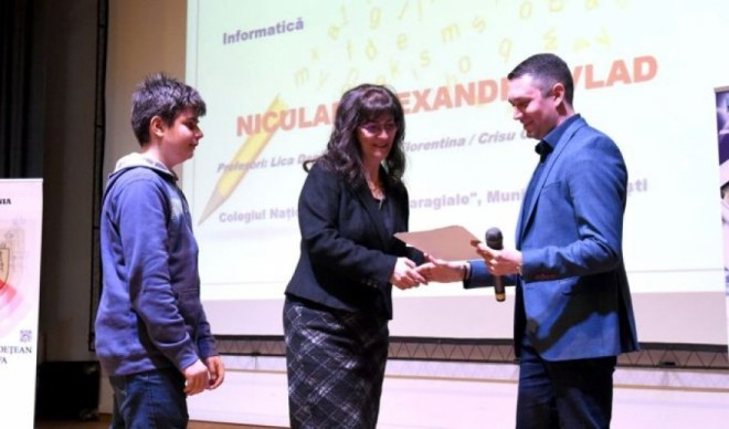 Cati bani vor primi elevii premianti ai Prahovei de la Consiliul Judetean