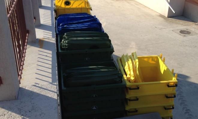 Orașul Băicoi va accesa fonduri europene pentru achiziționarea a mii de pubele, în vederea colectării selective a deșeurilor