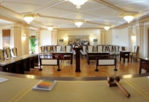 BOMBĂ de la CCR - Mandatul primarilor este ARUNCAT în AER: legea și OUG-ul, declarate neconstituționale