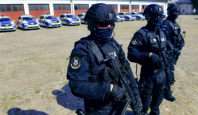 """Polițiștii anti-clanuri acuză că sunt sabotați din interior: """"Interlopii au relații în politică, presă și Poliție"""""""