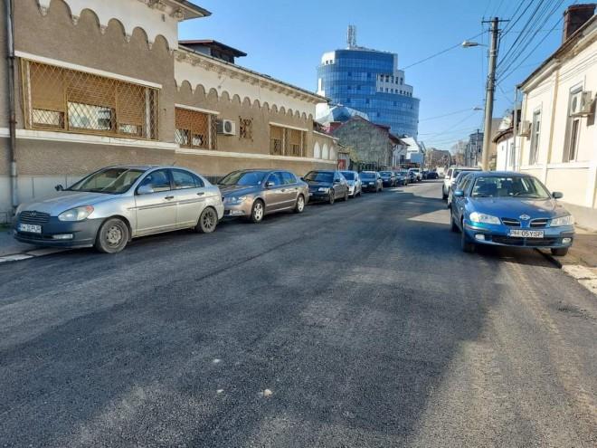 S-a putut! Strada Miciurin a redevenit circulabila dupa ce Primaria a asfaltat-o in timp record