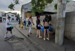 Ploiesti: Mai multi tineri au facut curat in centrul orasului. Rusine, ROSAL!