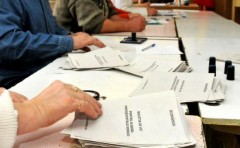 Primarii şi secretarii din Prahova, instruiţi pentru alegerile prezidenţiale 2014