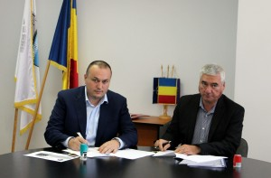 Iulian Bădescu a semnat contractul pentru lucrările de reabilitare a liniei de tramvai 102, etapa II