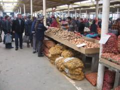 Controale în pieţele din Ploieşti. Ce au descoperit poliţiştii