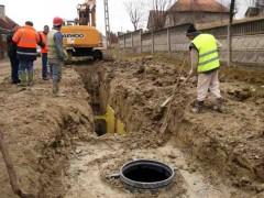 Un oraş prahovean primește fonduri UE pentru 63 de kilometri de canalizare