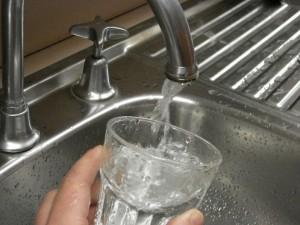 Apa Nova opreşte alimentarea cu apă pe patru străzi din Ploieşti