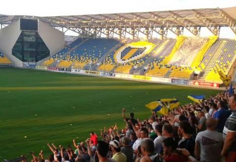 Peste 180 de jandarmi mobilizaţi pentru meciul dintre echipele Petrolul Ploieşti și Oțelul Galați