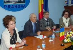 Mircea Cosma a primit vizita unei delegaţii din Moldova FOTO