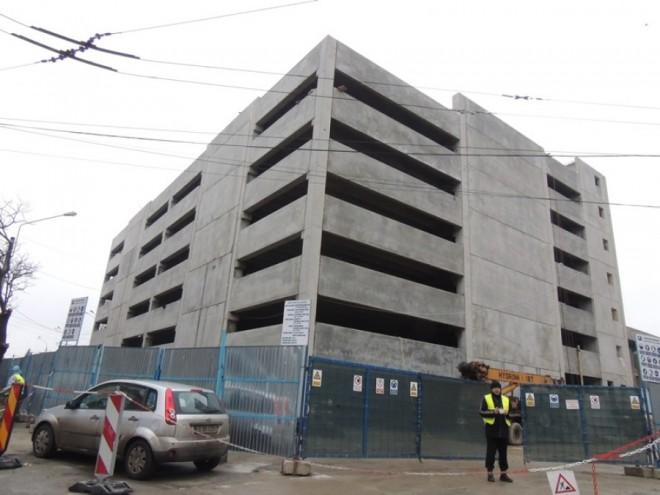 Parcarea supraetajată din Centru, aproape GATA. Ce se întâmplă cu strada Cuza Vodă
