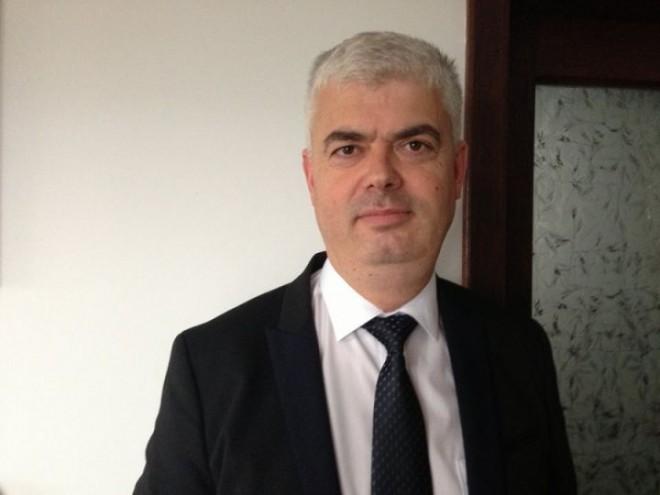 Sebastian Danielescu, repus în funcţia de vicepreşedinte al CJ Prahova