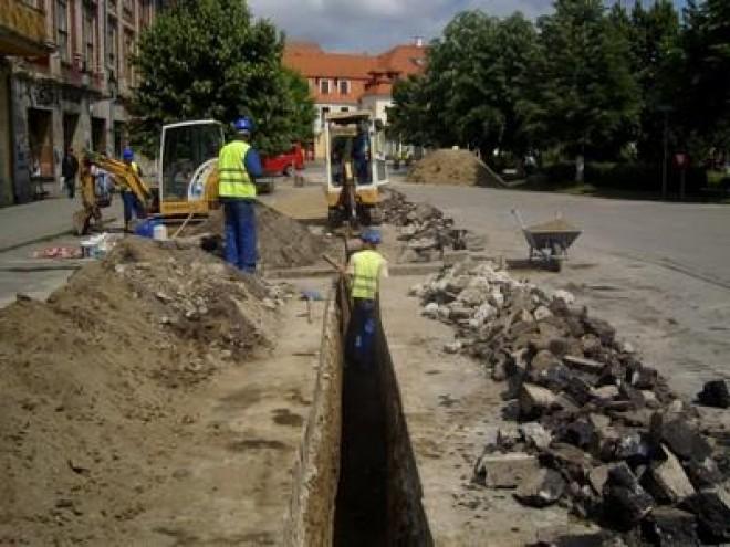 Lucrările de extindere a canalizării din Băneşti, aproape GATA