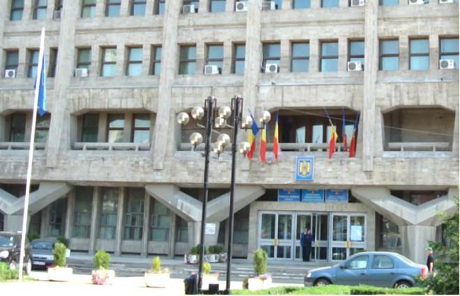 Sedinta cu scandal, la CJ Prahova. Consilierii PNL au plecat din sala