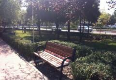 Bănci noi în parcul Mihai Viteazul