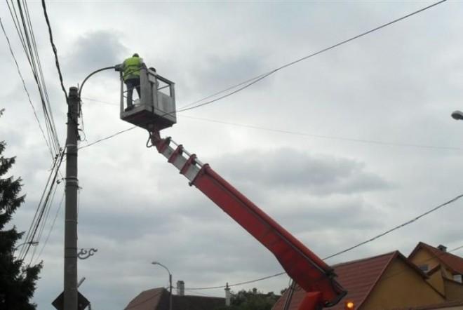 Ce se întâmplă cu stâlpii de iluminat din Ploiești. Anunțul Primăriei