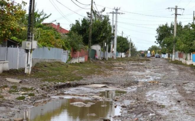 Prahova primeşte bani de la Guvern pentru localităţile afectate de inundaţii