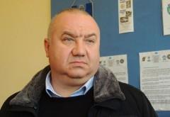 Viceprimarul Cristian Ganea se preocupa de soarta ploiestenilor. In acelasi timp, primarul Adrian Dobre doarme