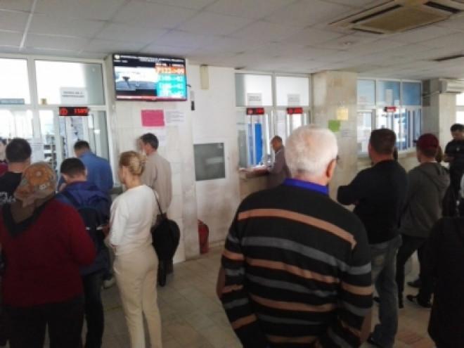 Anunt important de la Prefectura Prahova: Ghișeele de la Pașapoarte vor fi deschise și sâmbătă, pe 5 mai