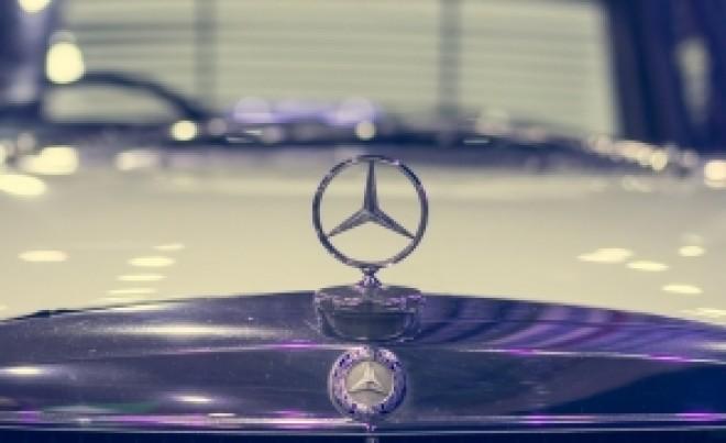 Amendă de 1 miliard de euro pentru Daimler, compania care deține Mercedes-Benz, în scandalul emisiilor