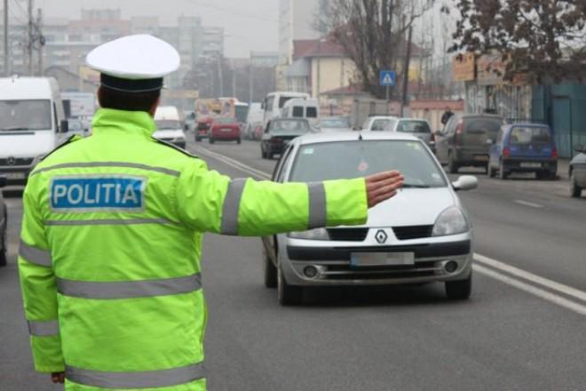 Te-a oprit POLIŢIA pe dreapta? Cum să scapi de amenda LEGAL, potrivit noului COD RUTIER