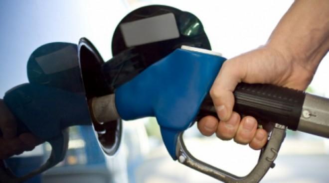 Petrom a ieftinit masiv carburanţii. În week-end, preţurile scad din nou