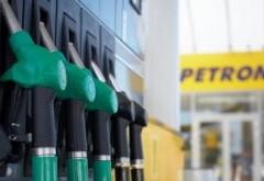 Preţul motorinei a picat sub pragul de 5 lei pe litru! Cu cât vinde Petrom carburanţii