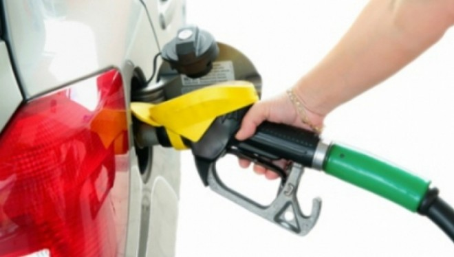 Producătorii auto din Europa ascund adevărul: Unele maşini au consum dublu de carburant