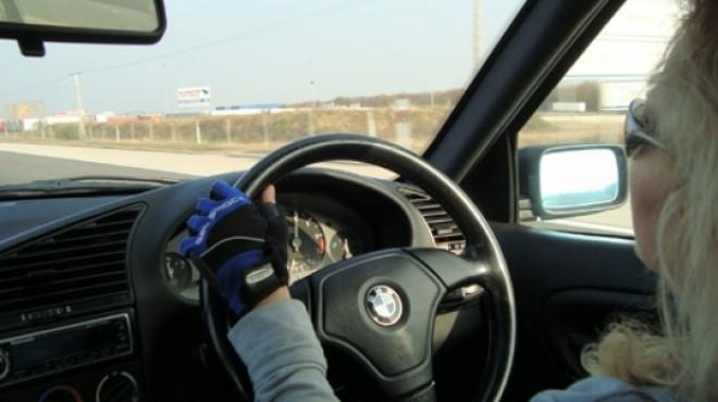 Maşinile cu volan pe dreapta ar putea fi INTERZISE în România - proiect de lege