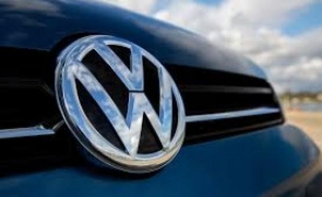 Lovitură grea pentru Volkswagen: a oprit producția modelului Golf