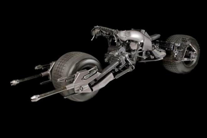 Motocicleta lui Batman este cat se poate de reala si a fost scoasa la vanzare! Cat poate ajunge sa coste