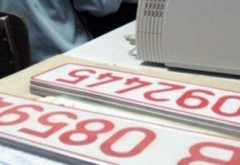"""De ce nu mai se eliberează al doilea rând de """"numere roşii"""" la Serviciul de Înmatriculări"""