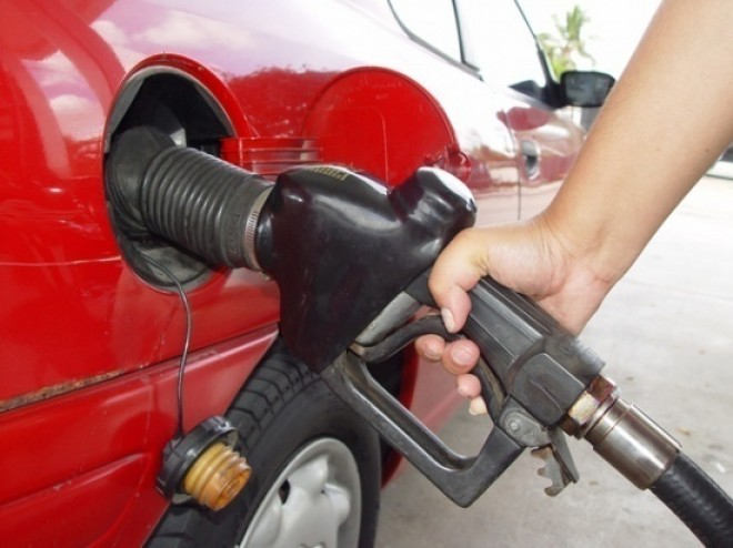 Cum să consumi cu 30% mai puţină benzină. Trucuri urile