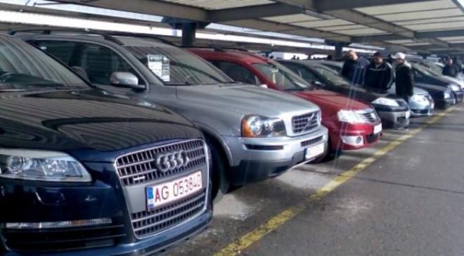 În cât timp reuşeşte un samsar din Germania să modifice kilometrajul unei maşini. Topul celor mai comune țepe date românilor