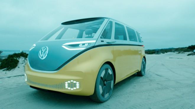 """Volkswagen reînvie mașina generației """"flower power"""". Cum arată ID Buzz, camioneta electrică """"înalt tehnologizată"""" pe care o pregătesc nemții"""