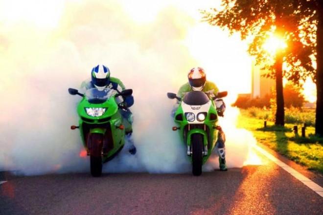 """Aviz motociclistilor din Ploiesti! """"Liniutele"""" cu motorul turat la maxim ii vor lasa fara permis!"""