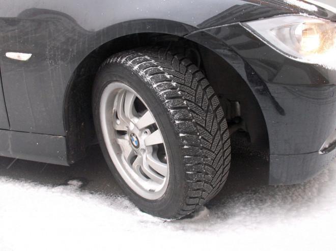Avertizare de ninsori în aproape toată țara: Când trebuie să ai anvelopele de iarnă ca să nu primești amendă