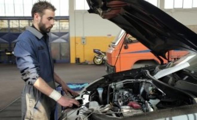 Vești proaste pentru șoferii care au mașini mai vechi de 10 ani: Vor fi obligați de la 1 ianuarie 2018