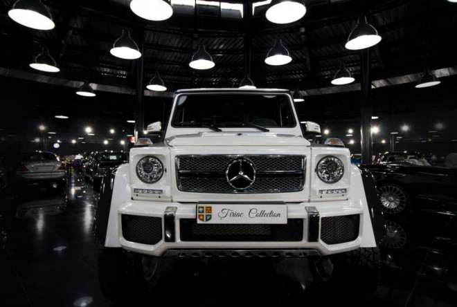 Un model Mercedes-Maybach G 650 Landaulet a intrat în galeria Țiriac Collection. Costa 630.000 euro
