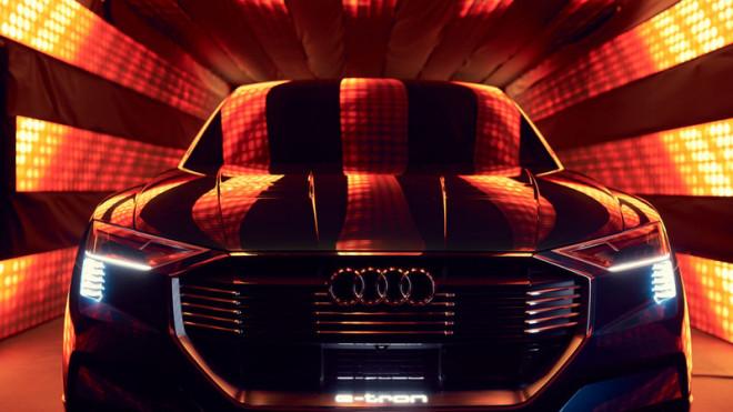 Audi da startul rezervarilor pentru noul SUV electric, e-tron quattro, la SIAB 2018