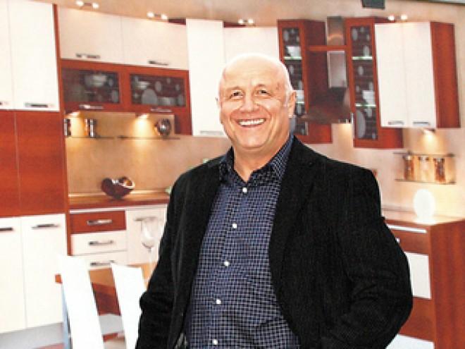 Familia Rizea a cedat copiilor 30% din acţiunile fabricii de mobilă Lemet