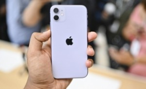 Apple ar putea ajunge anul acesta la 2 miliarde de iPhone-uri vândute
