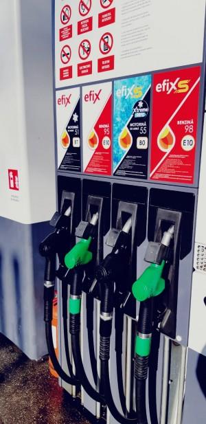 Carburant premium de iarnă, produs în premieră la rafinăria Petromidia
