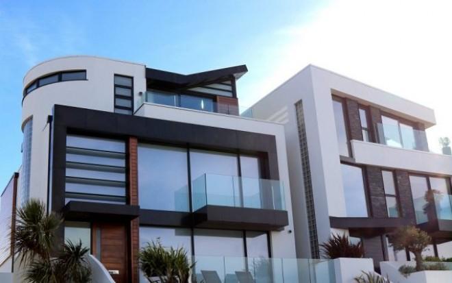 Dezvoltatorii imobiliari, ingenunchiati de COVID-19! Piața imobiliară, prăbușită în aprilie: numărul de tranzacții a scăzut cu aproape 50% față de martie